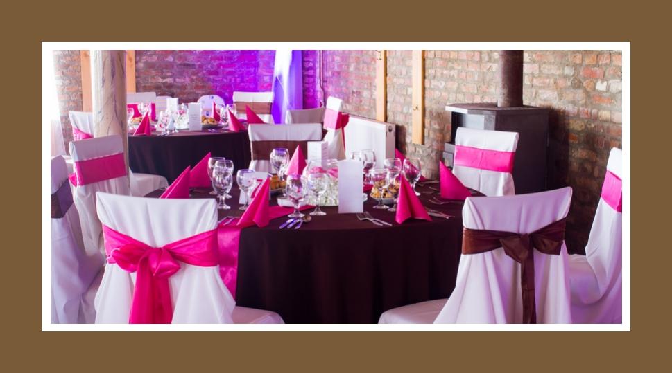 Hallendeko in Marsala und Pink