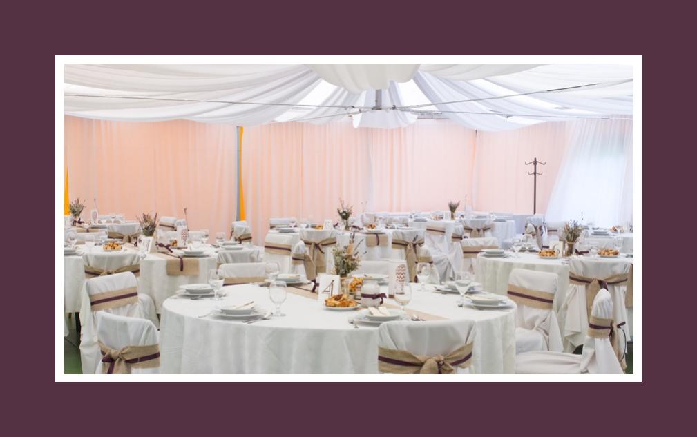 Hochzeit im Öko-Stil: natürliche Farben und organische Materialien