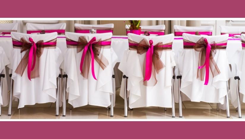 Stuhlhussen mit zweifarbigen Schleifen – Pink