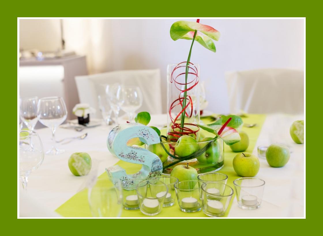 Frische Äpfel in der Tischdeko verwenden