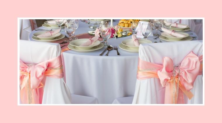 Feine Tischdeko in zartem Pastellrosa