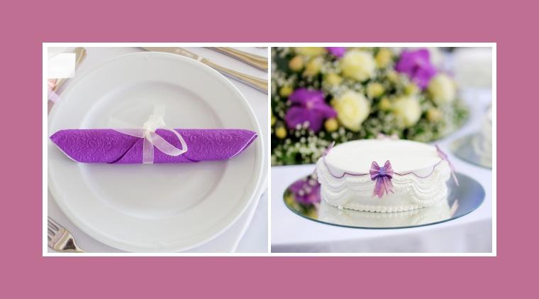 Violette Serviette & mit lila Schleifen dekorierter Nachtisch