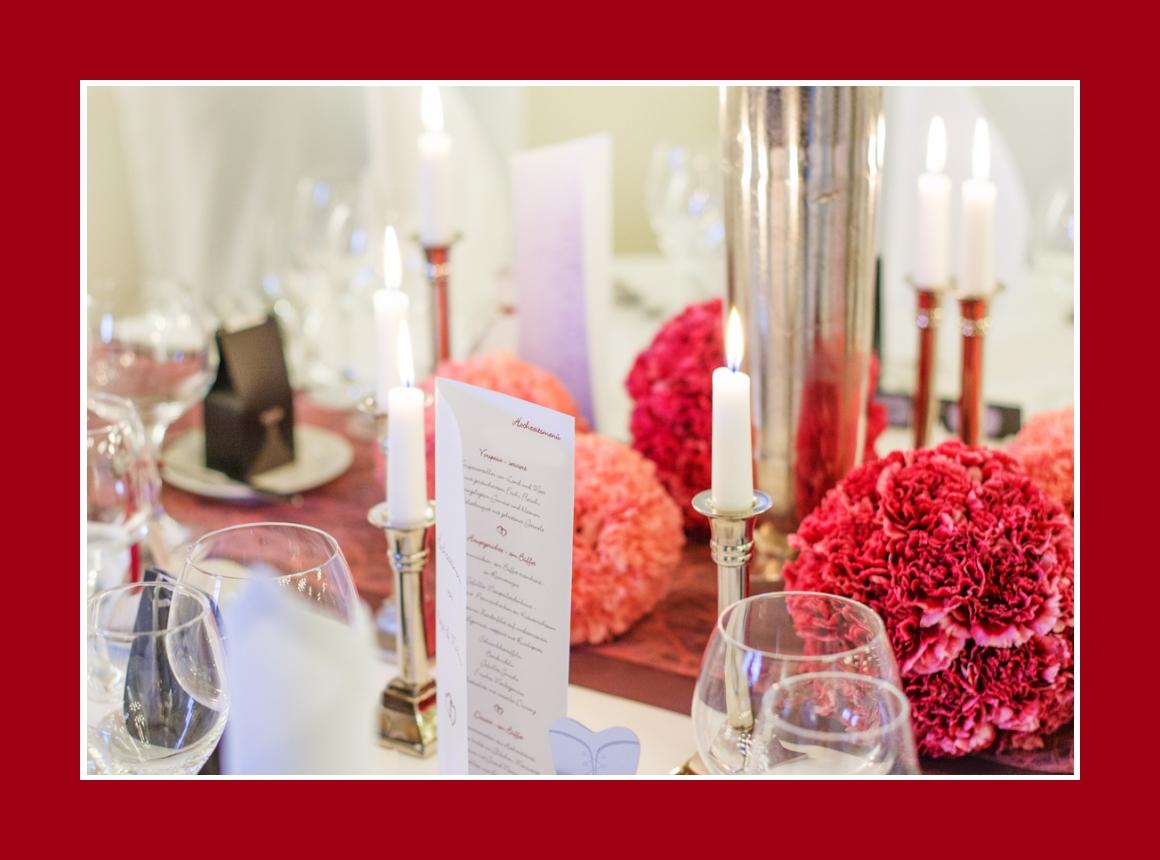 Kerzen & Blumengestecke