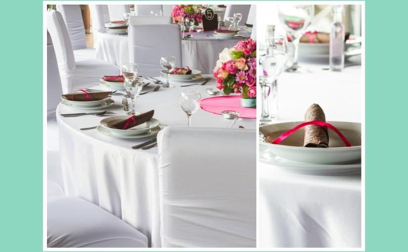 Erfrischendes Ambiente mit minzfarbener & pinker Tischdeko