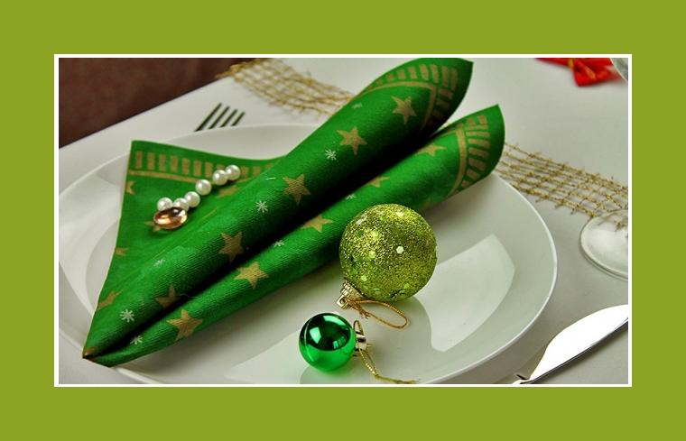 Weihnachtsdekoration Servietten falten