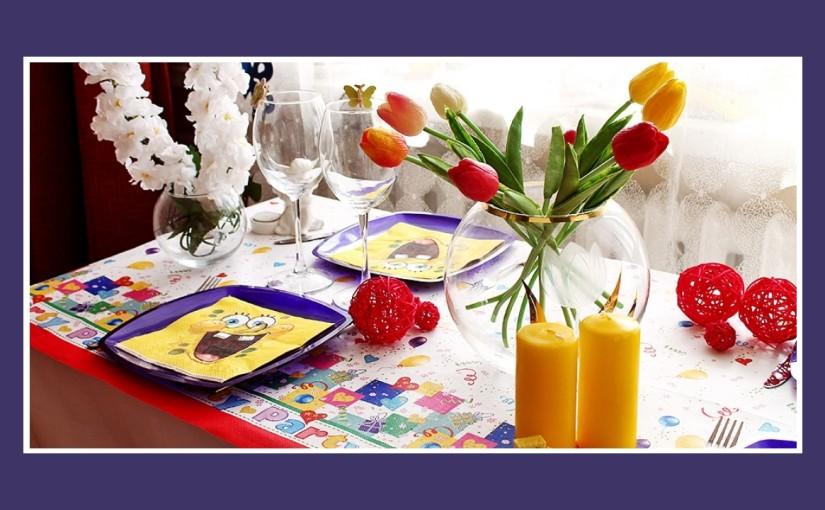 Bunte Geburtstagsdeko zum Kindergeburtstag