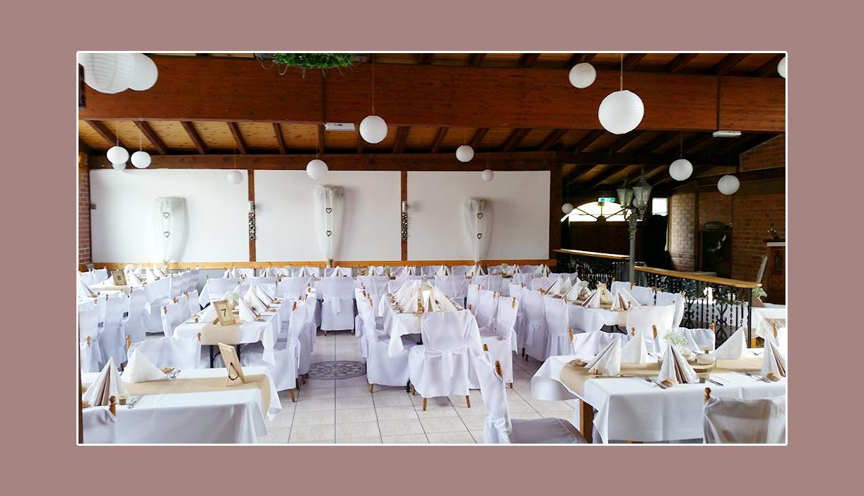 Hochzeitsdeko in Weiß im Landhaus Siebe in Hattingen Essen